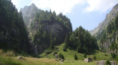 Day hiking in the Bucegi Mountains - Version 4